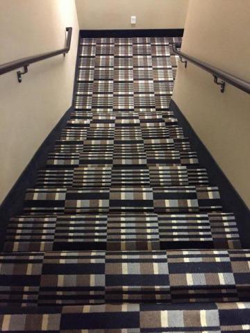 escalier.thumb.jpg.6c039ec3654f5ab32030bcc5704b35c1.jpg